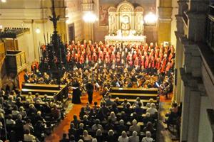 Urauffuehrung Anima Mea, Chor 55+, Schubert-Orchester Wien unter der Leitung von Veronika Schmid, Monika Medek, Sopran